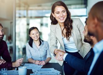 Sales representative là gì? Ai phù hợp với nghề đại diện bán hàng?